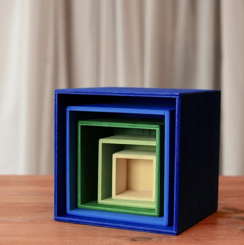 Stablekasse i blå og grønn
