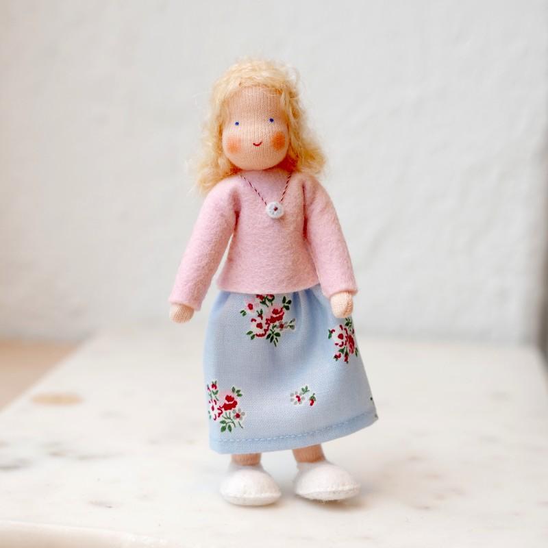 Dame til dukkehus - blondt hår