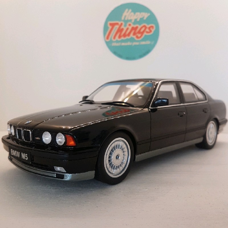 1:18 BMW M5 E34, sort, Ottomobile, limited