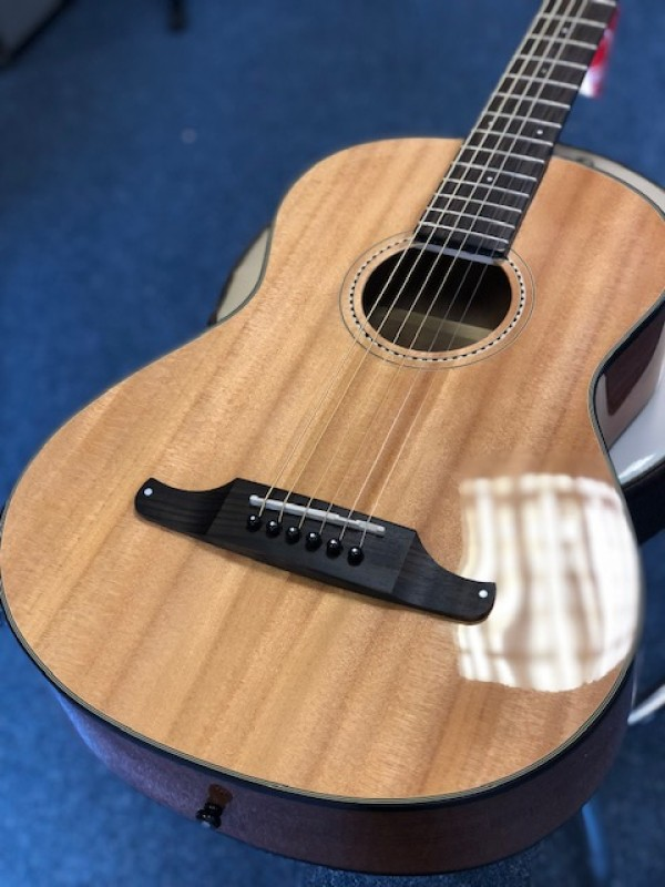 Fender Sonoran Mini 3/4 acoustic guitar with gigbag