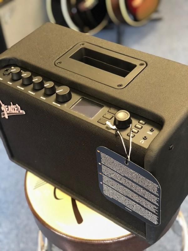 Fender Mustang GT 40 230v amp
