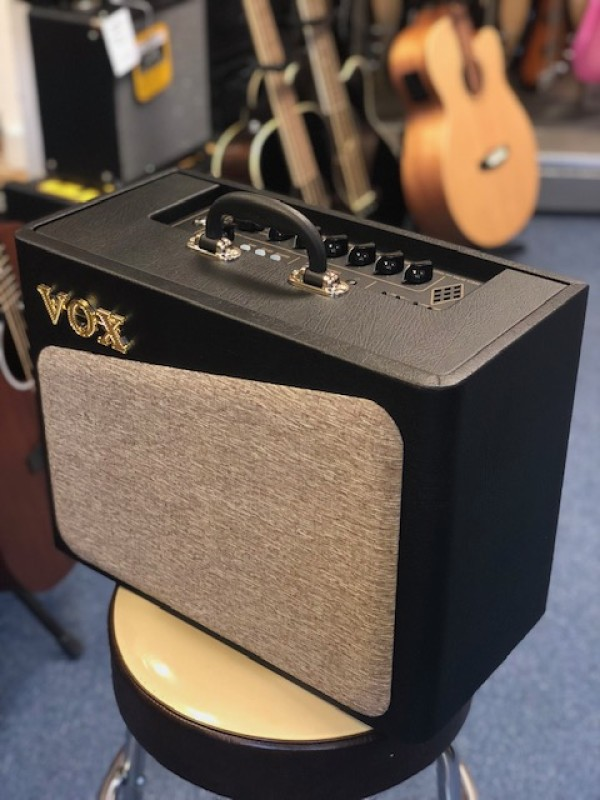 Vox AV-15 Analogue Valve Amp