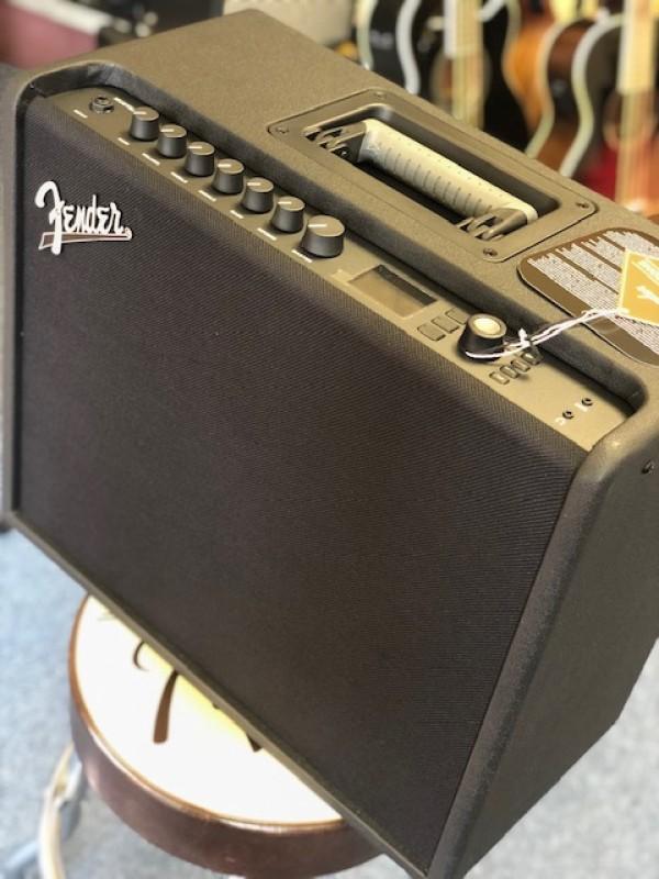 Fender Mustang GT 100 230V amp