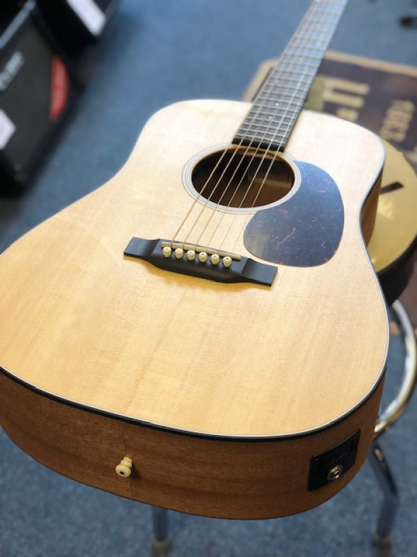 Martin D Jr. E Dreadnaught Junior Electro Acoustic w/ Gig Bag
