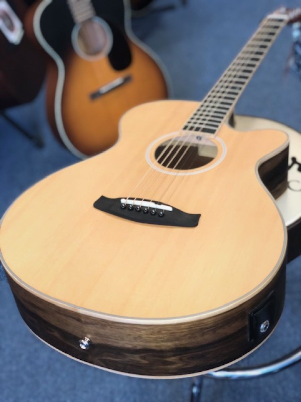 TANGLEWOOD DISCOVERY SUPER FOLK CUT PACIFIC WALNUT B&S NAT + EQ SSP DBT SFCE PW
