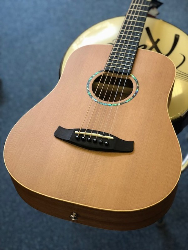 TANGLEWOOD ROADSTER 2 TRAVEL GUITAR CEDAR TOP MAH B&S SSP TWR2 T