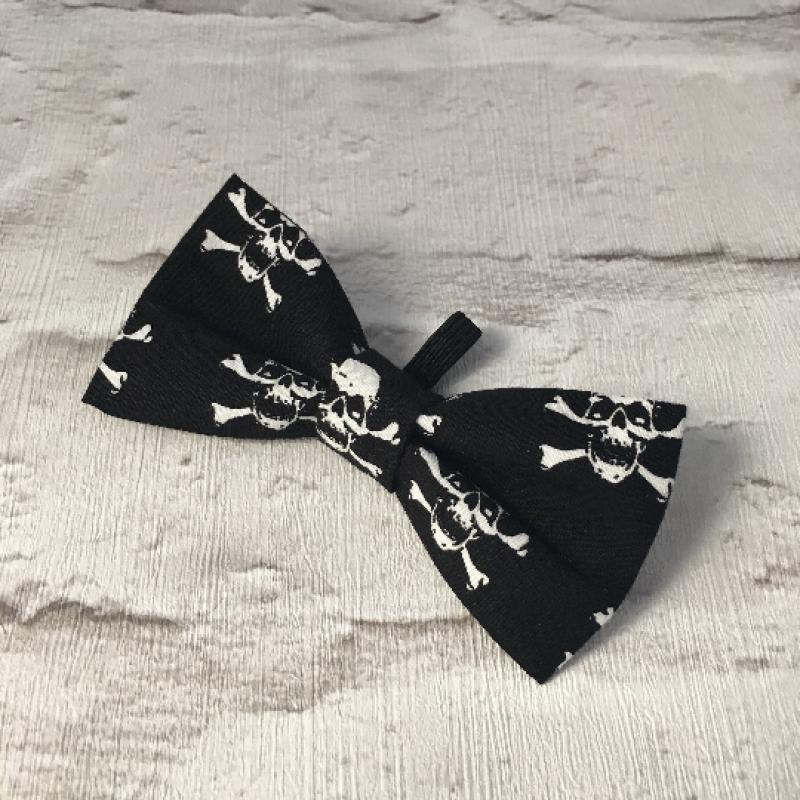 Skull & Crossbones Dog Bow Tie