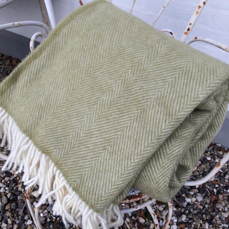 Lys grøn uldplaid 140 cm x 240 cm
