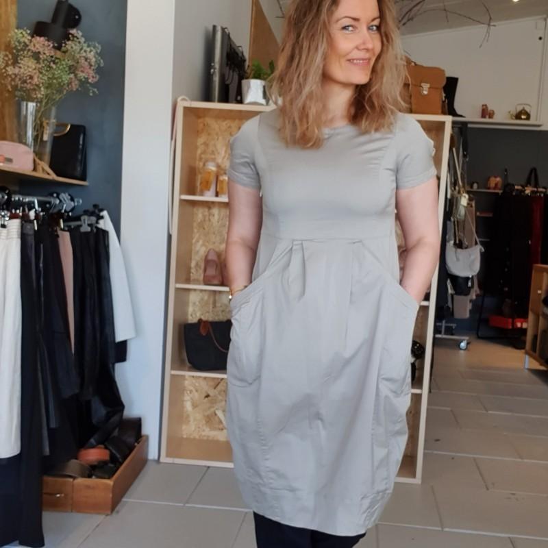 Trine Kryger Simonsen kjole str. 38