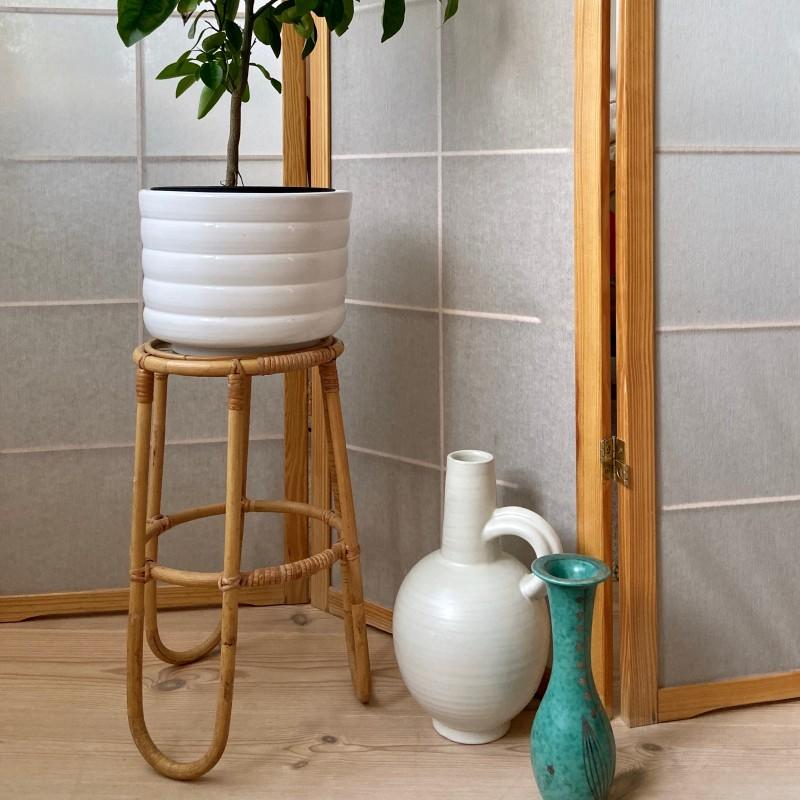 Piedestal bambu och rotting