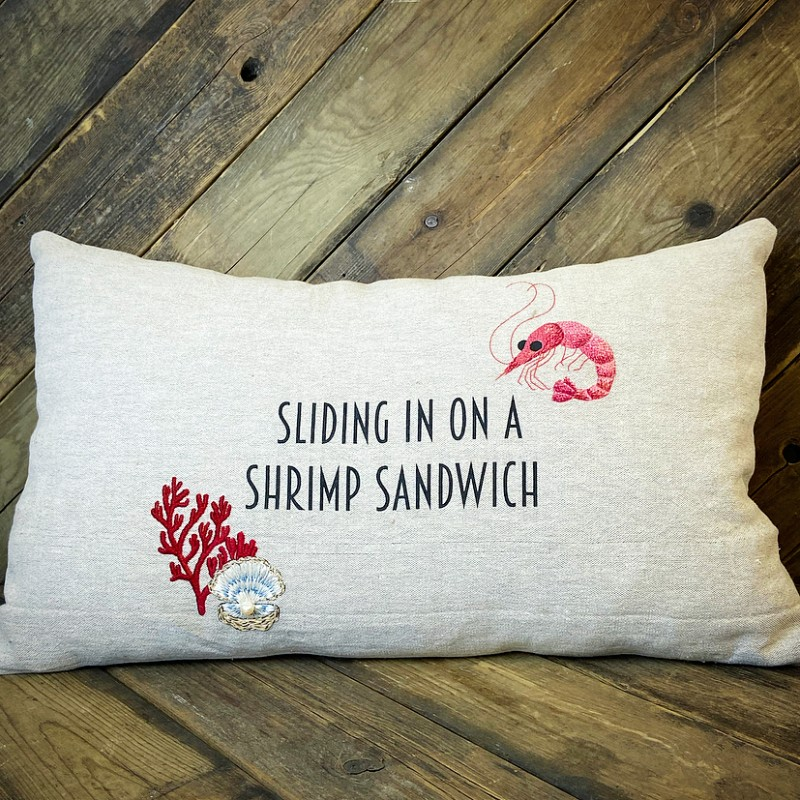Kudde Sliding in on a shrimp sandwich