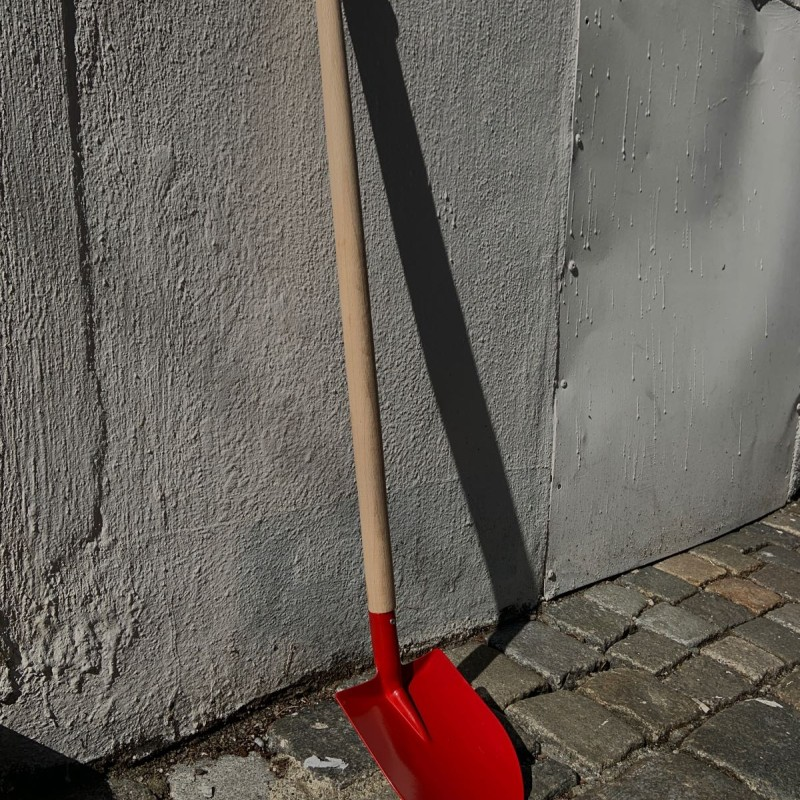 Lang rød spade
