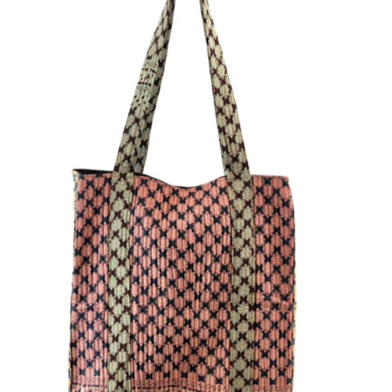 Black Colour - LUNA quilt bag leaf mix