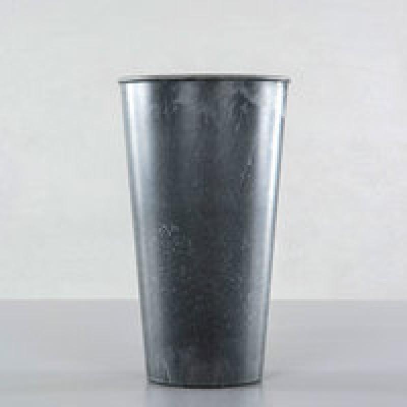 vase grå