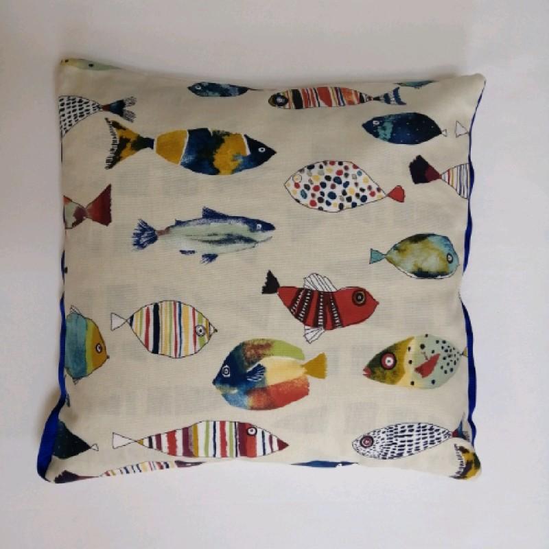 Cushion - Gone fishing