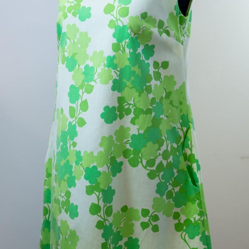 Sandmålla klänning. Storlek S.