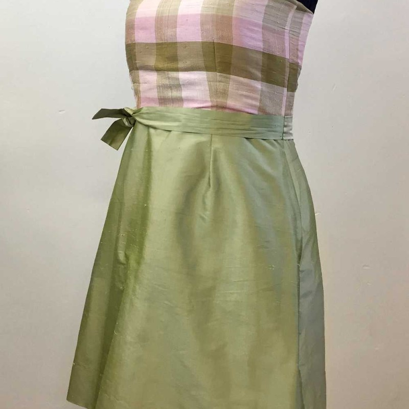 Sidenklänning. Storlek M