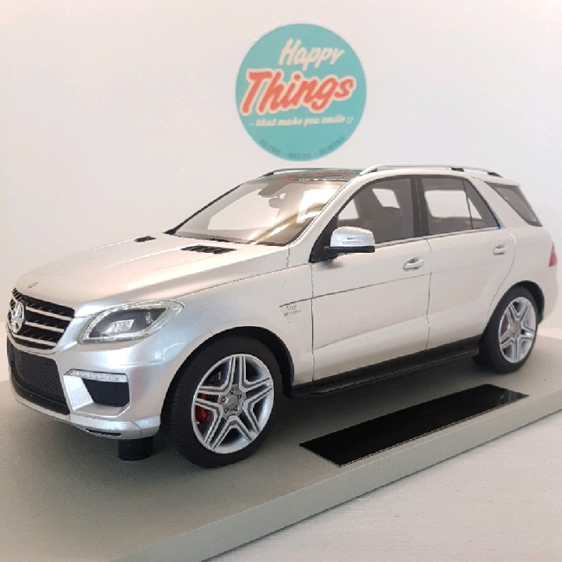 1:18 Mercedes-Benz ML63 AMG, LS Collectibles, limited, 1:18