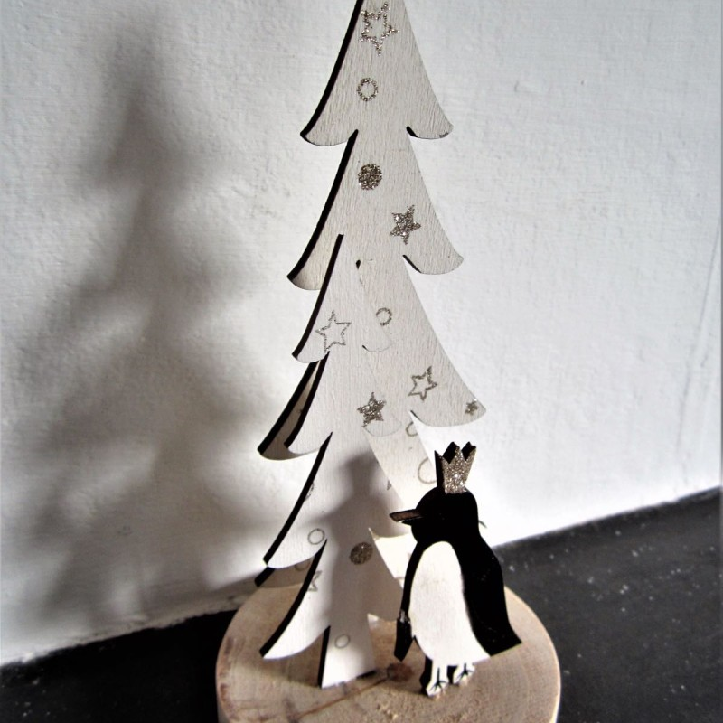 Penguin with Xmas tree