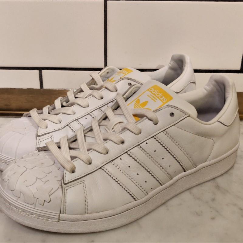 Adidas x Pharrell Willams Sneakershyllan