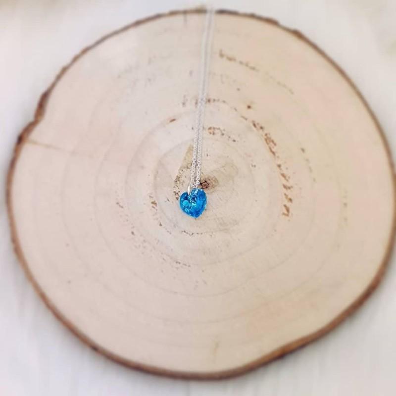 Vakkert Sølvsmykke med klarblå Swarovski hjerte