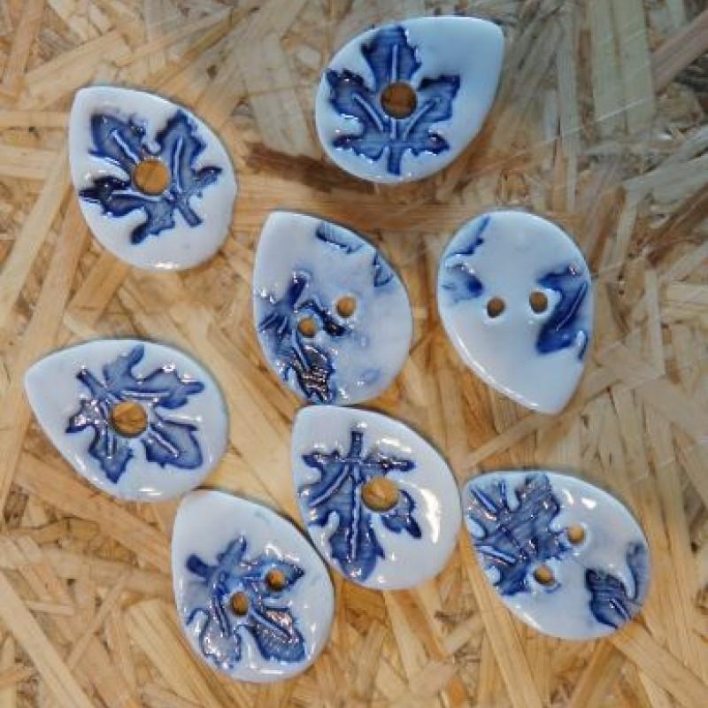 Dråbe knapper med blå blomst
