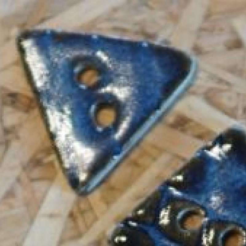 Trekantede knapper - Mørk blå