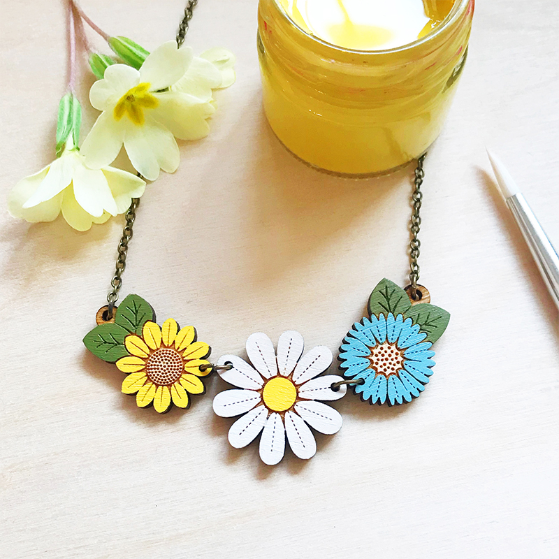 Daisy and Wild Flowers Necklace by Layla Amber