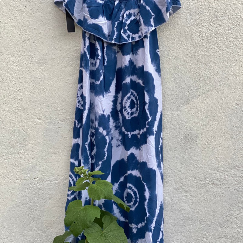 Klänning med batikmönster