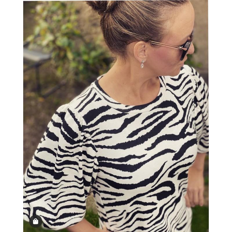 d'NADA zebramönstrad klänning med puffärm
