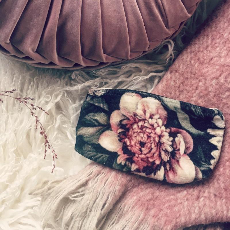 Necessär - Blommig sammet