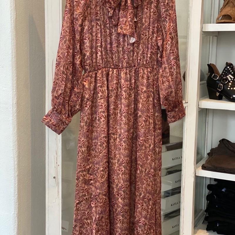 d'NADA klänning med rosett- vinröd