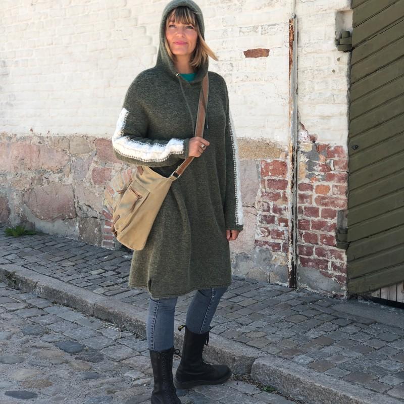 15-2520  Hedda knit dress