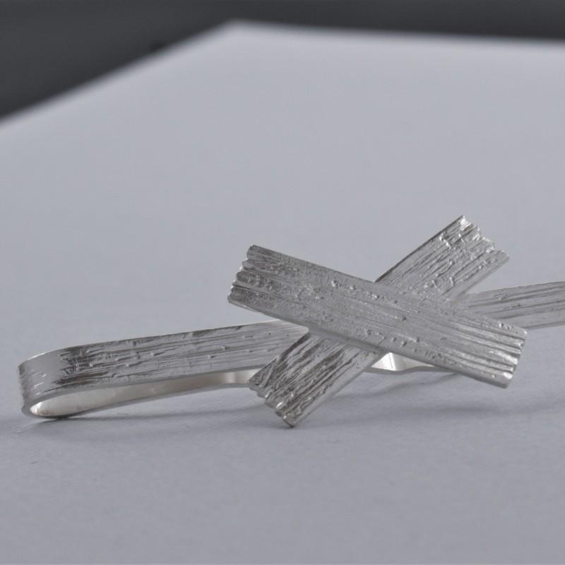 LEDKRYSS, slipsnål