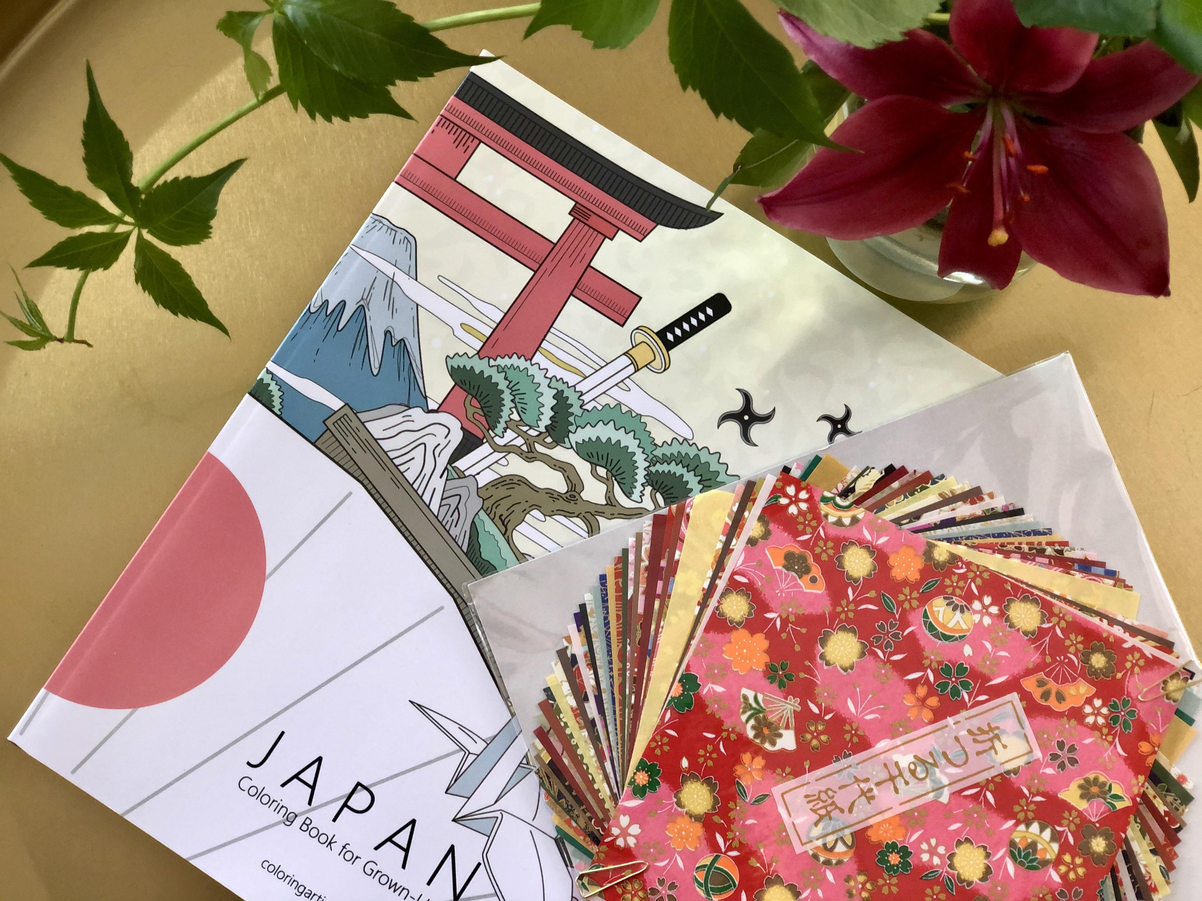 Askartelupaketti: Värityskirja ja origamipaperia