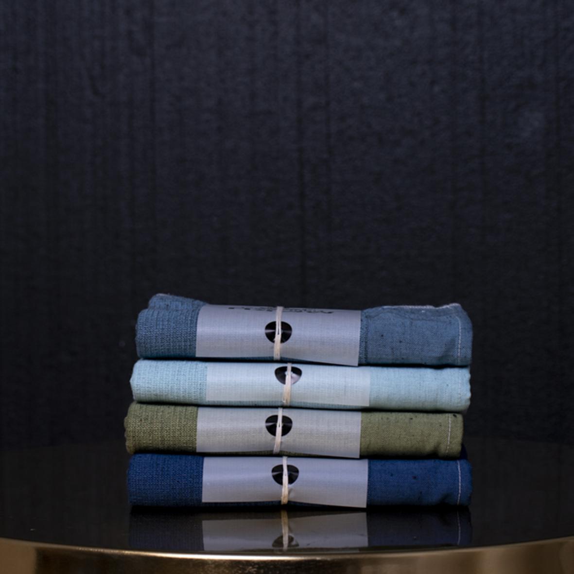 Iso siniharmaa moku-pyyhe