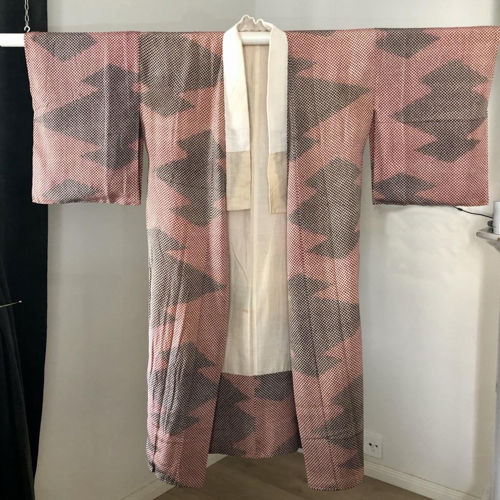 Puna-violetti vintage kimono