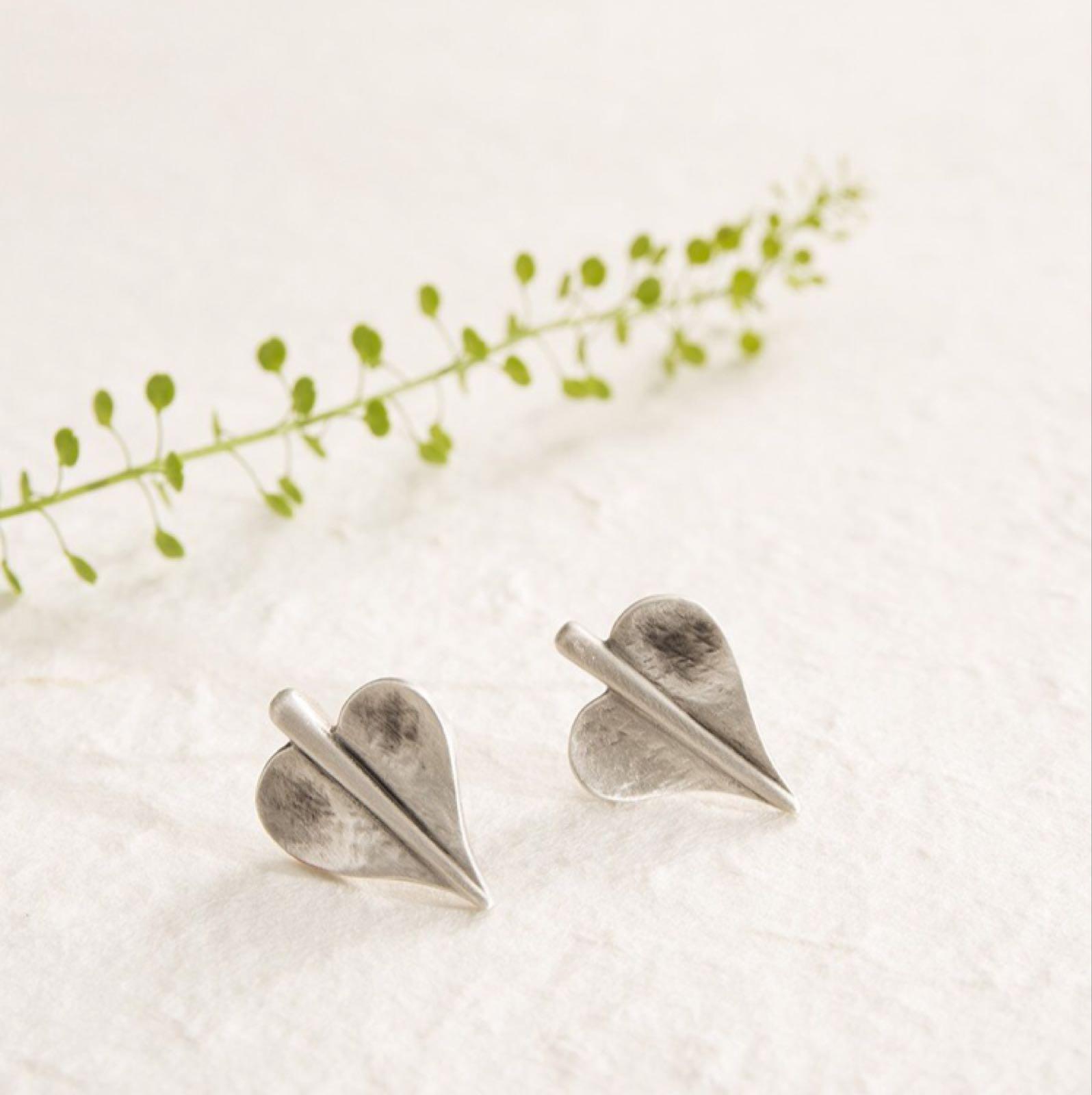 Danon heart stud earring set