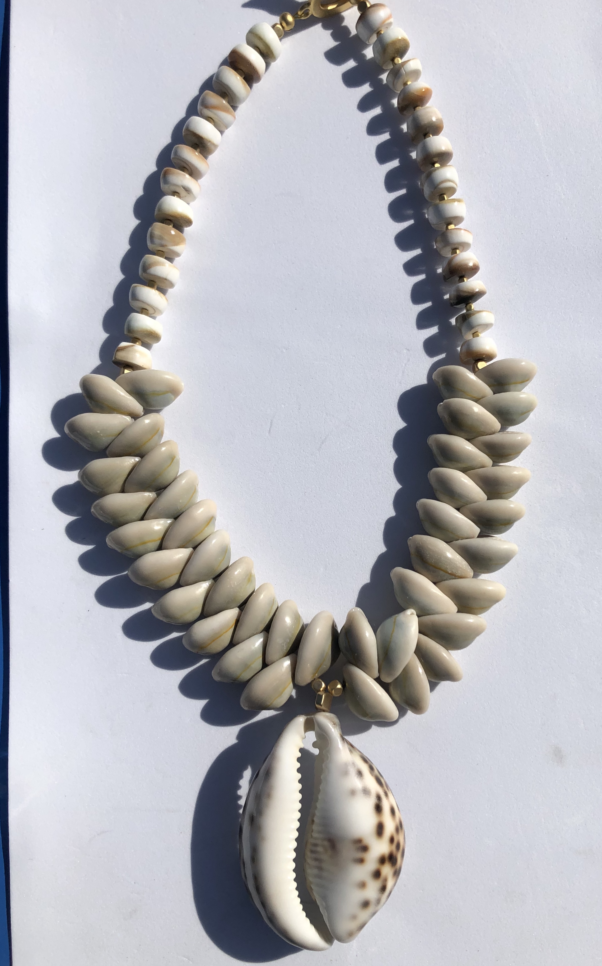 Shelley spotted shell necklace