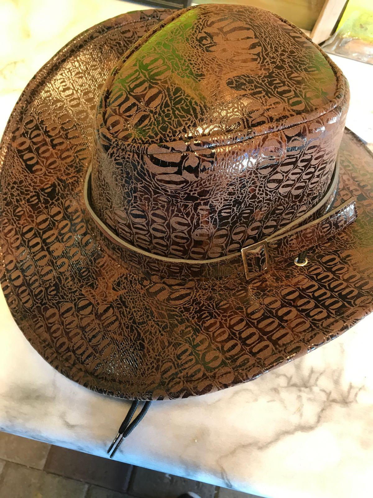 Cowboyhatt (ormskinn)