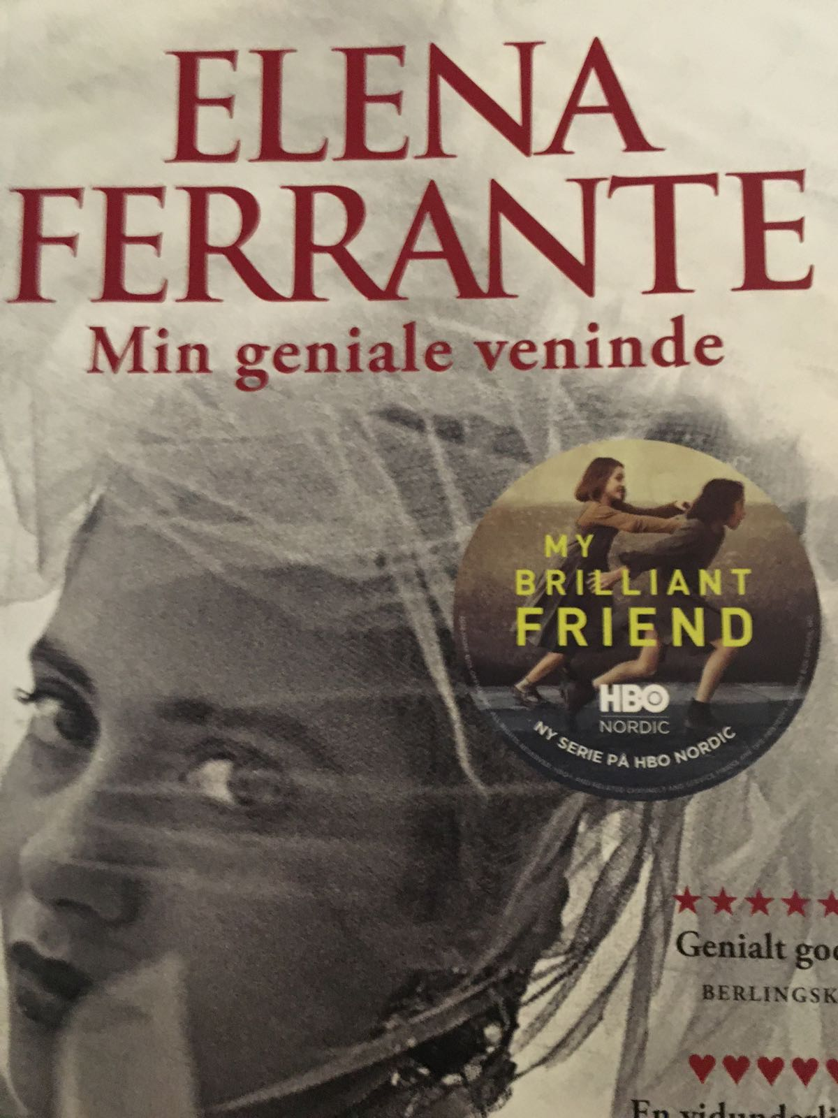 Min geniale veninde af Elena Ferrante - 9788740044584
