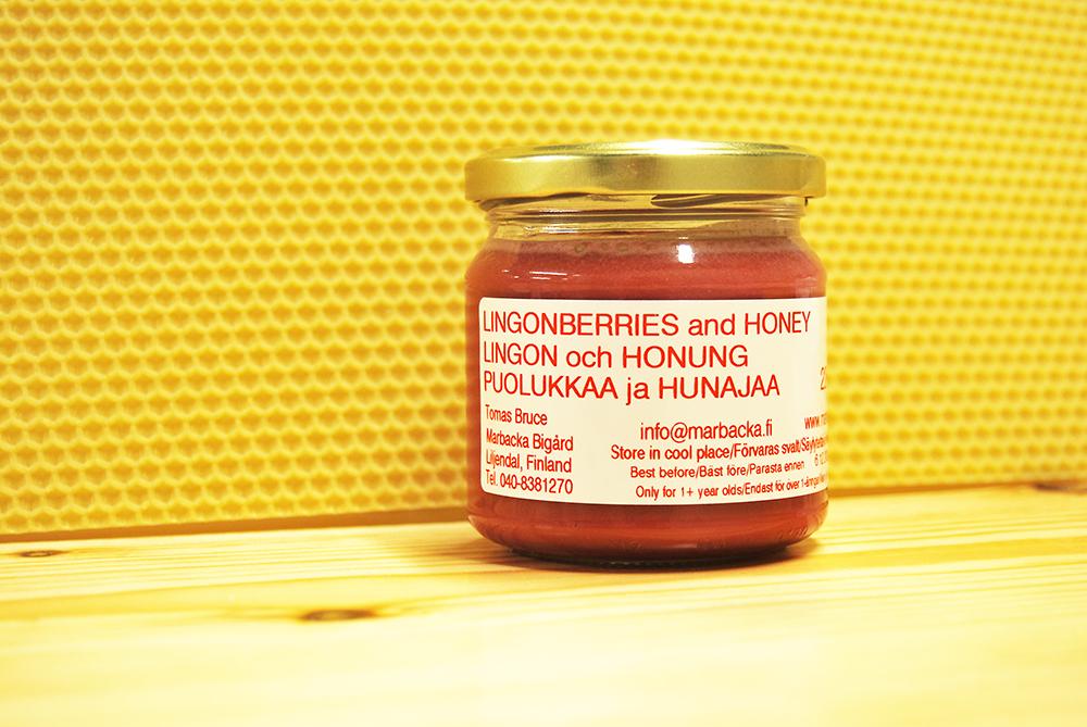 Puolukalla maustettua hunajaa 220 g, lasipurkki