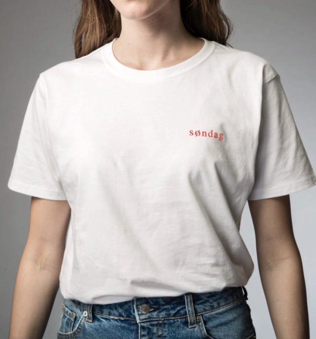 SØNDAG Bomulds T-shirts økologisk ( Før 219 kr)