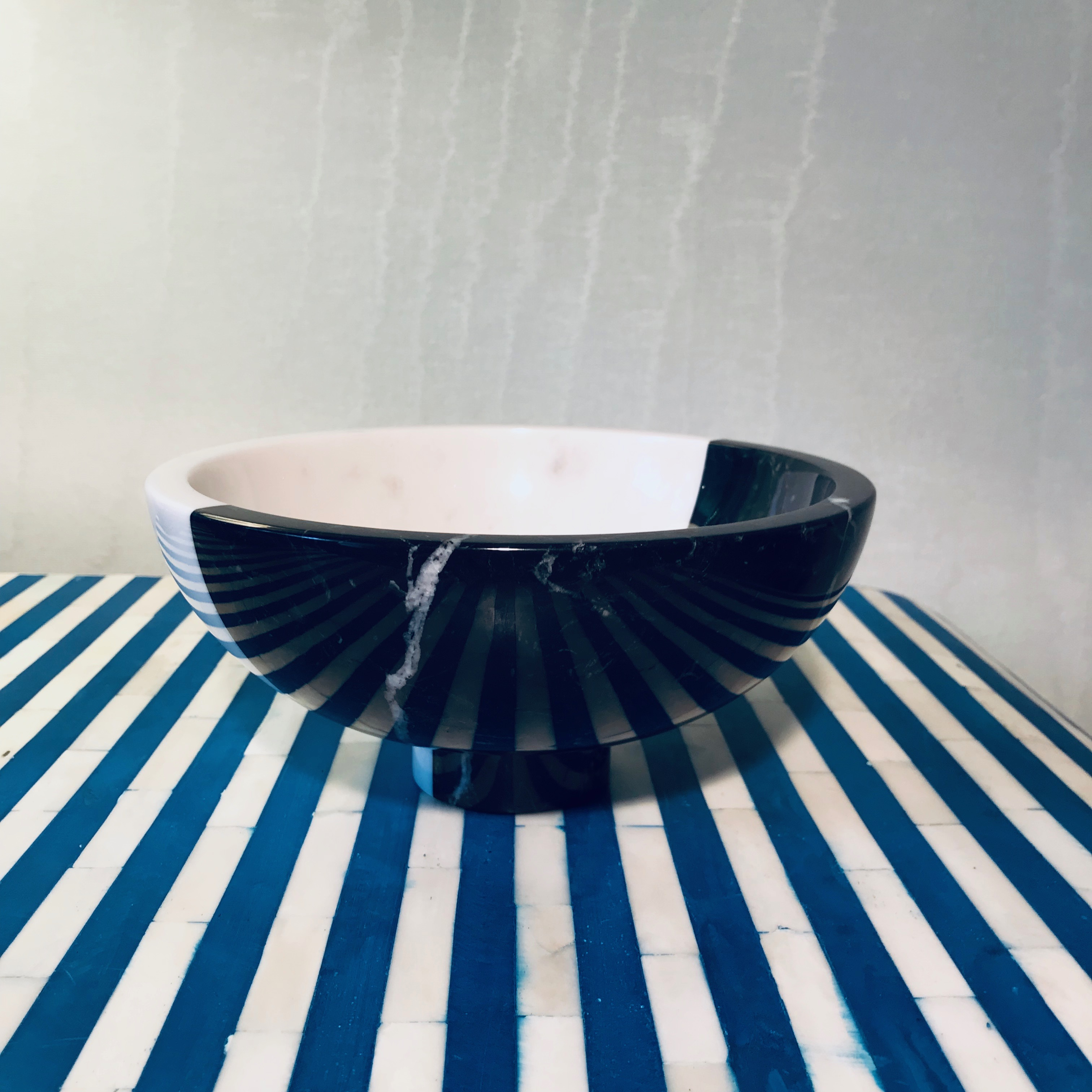 Twosidestory Bowl, Black/White Marble