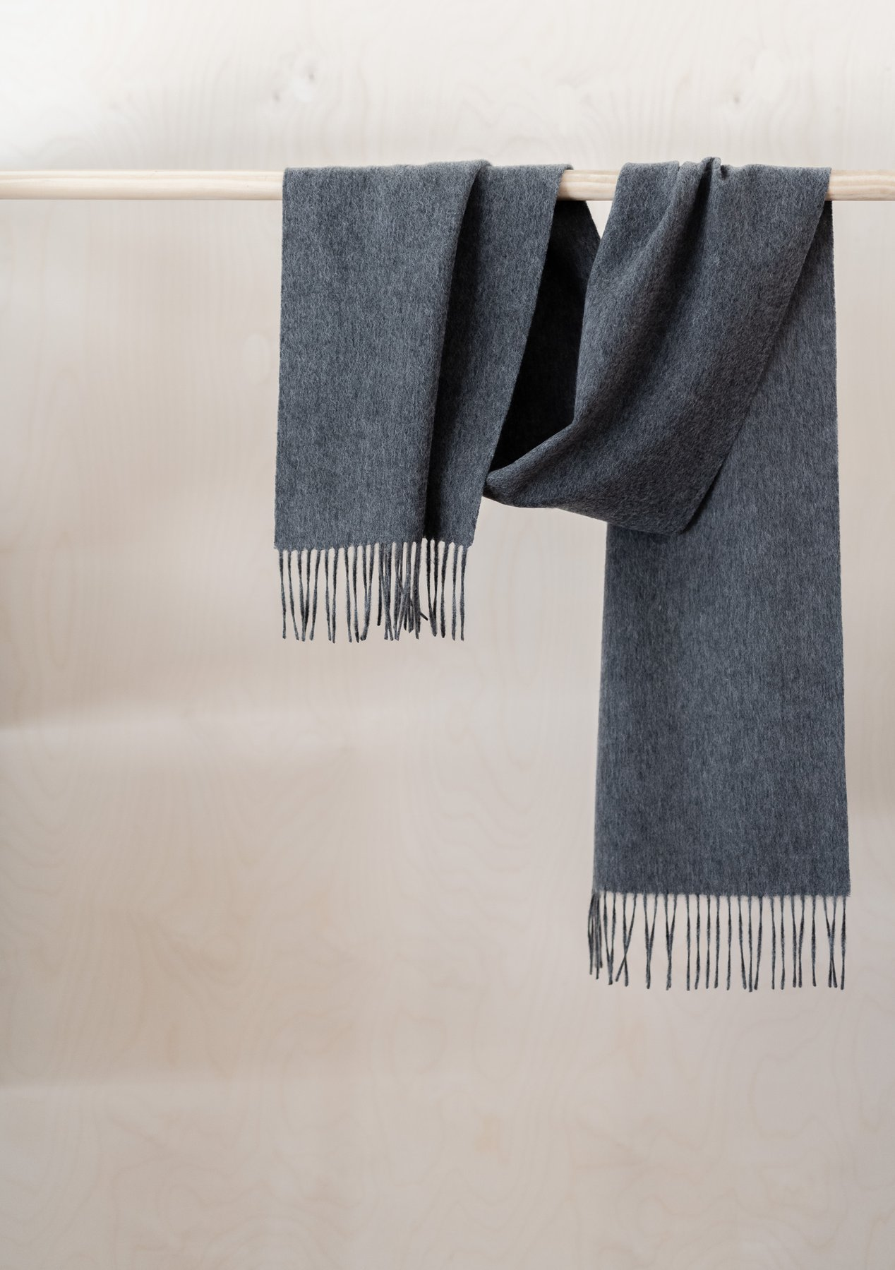 Men's Lambswool Scarf, Charcoal