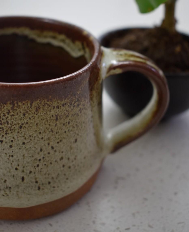 Koko Mug in Tawny Brown
