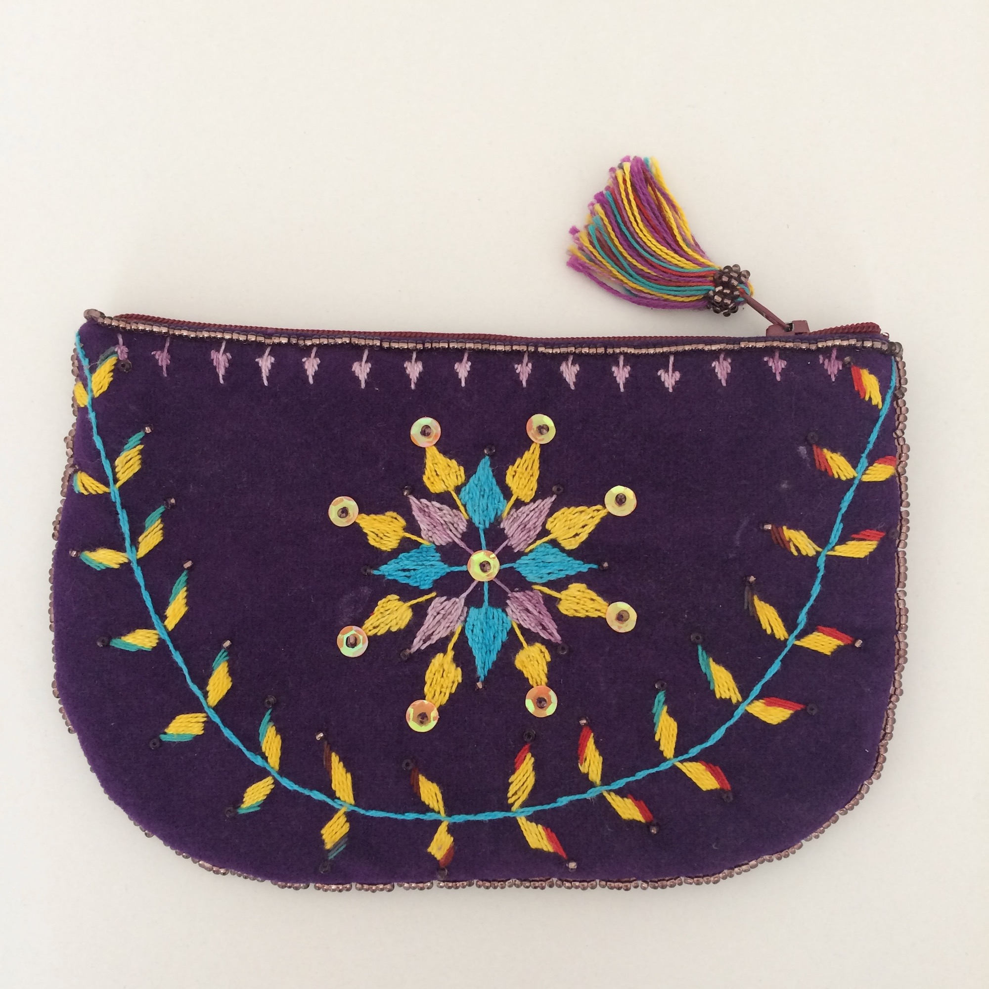 Medium Oval Shaped Bedouin Purse