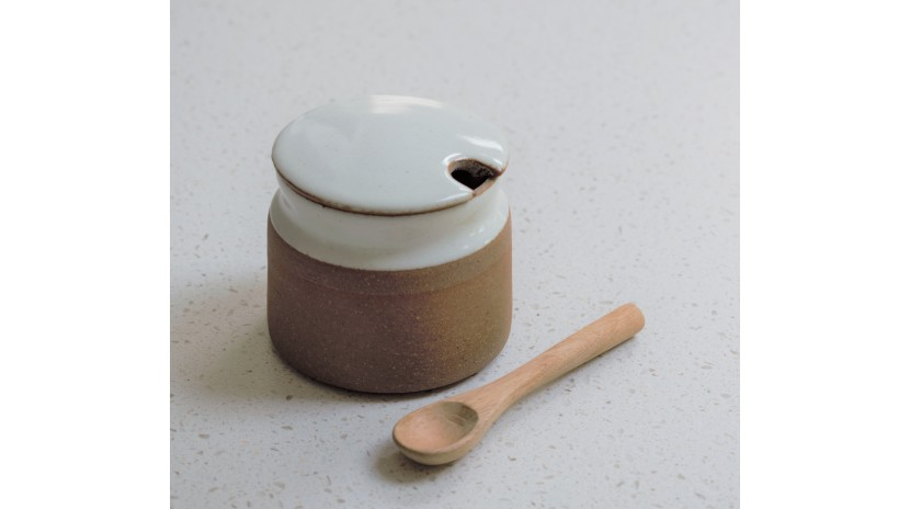 Stoneware Sugar Pot in Milk White