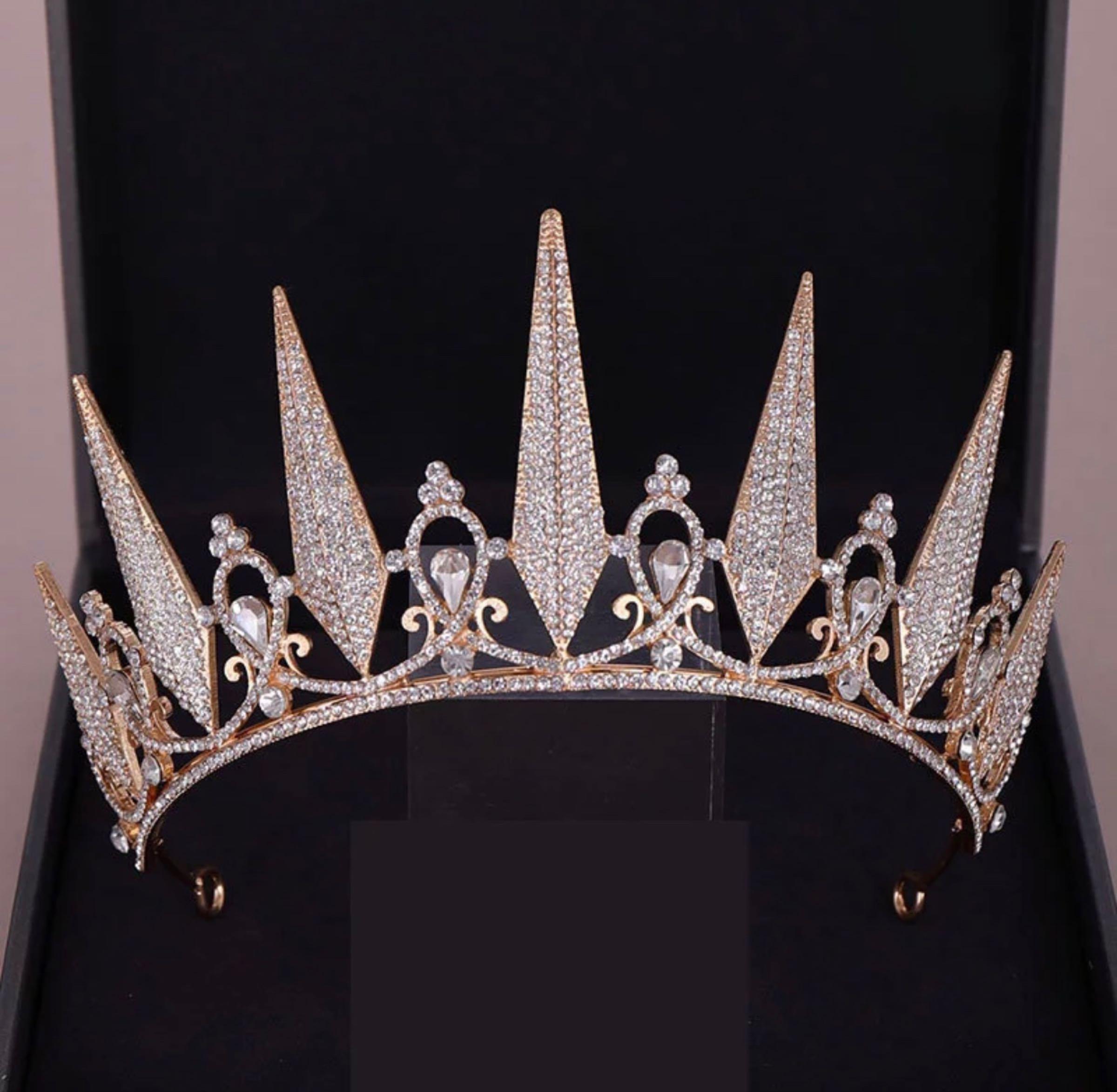 Tiara, kuningatar kultainen