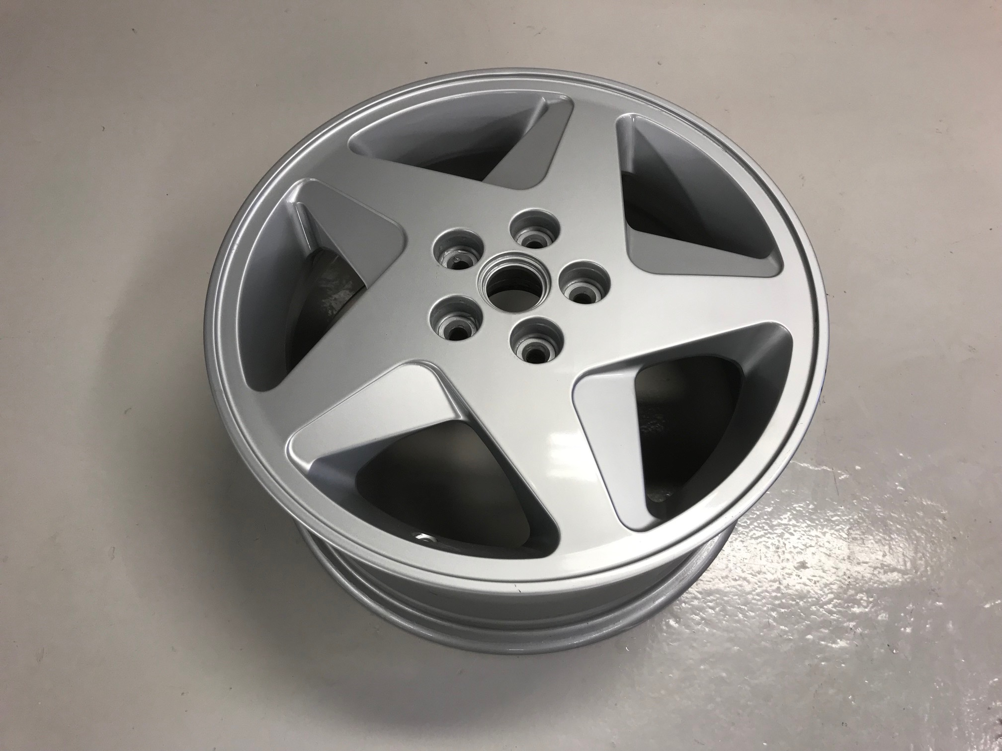 RH Front Wheel Rim 348